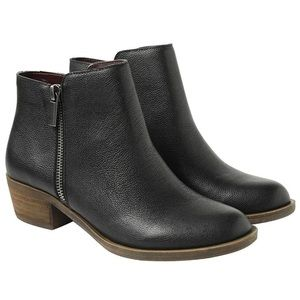 Brand new Kensie black boots